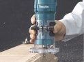 Affleureuse Makita RT0700C